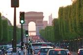 Вид на Триумфальную арку. Весна 2011