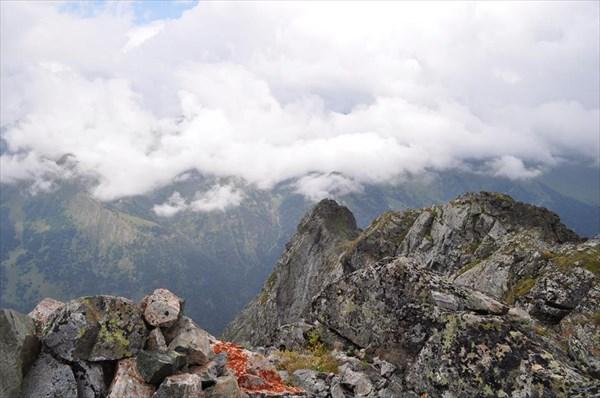 Скальная вершина горы Большой Карабек