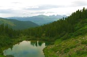 Озеро Поднебесное с середины подъема на Скалистый