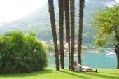 Залив озера у городка Гарда