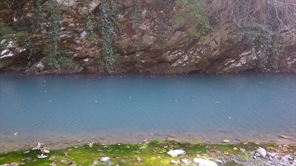 Вода в реке