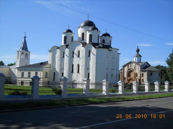 Ярославово дворище и древний Торг. Никольский собор