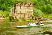 21 июля 2008. Река Теша. Мимо развалин старой плотины.