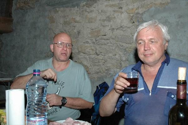 Жоэль не пьет спиртного, а Коля пьет только во Франции