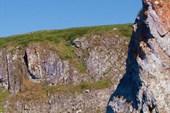 Скалистый берег перед каньоном.