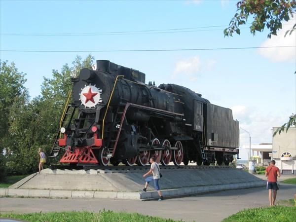 Памятник железнодорожникам-покорителям севера