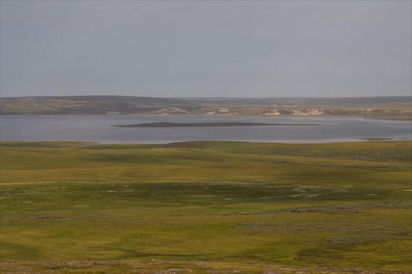 Вид на озеро Нгосавэйто с сопки Николаева