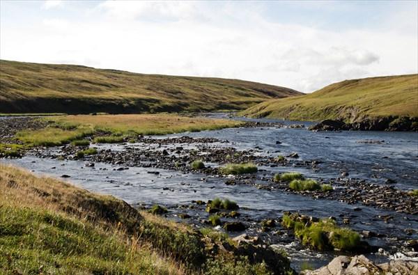 Нгосавэйяха в среднем течении. Воды нет, одни камни.