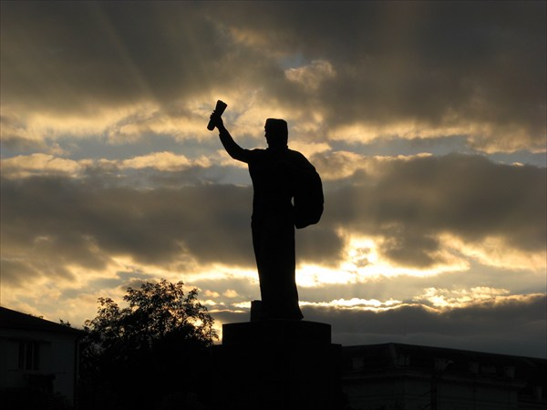"""Памятник """"мария - символ дружбы русского и кабардинского народов"""