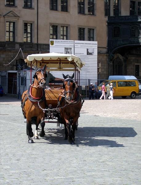 Конный экипаж - более традиционный романтический транспорт