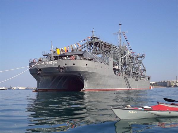 Спасатель подлодок