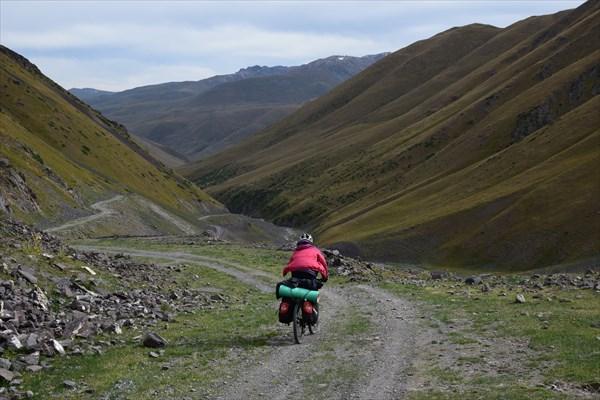 Стремительный спуск с перевала