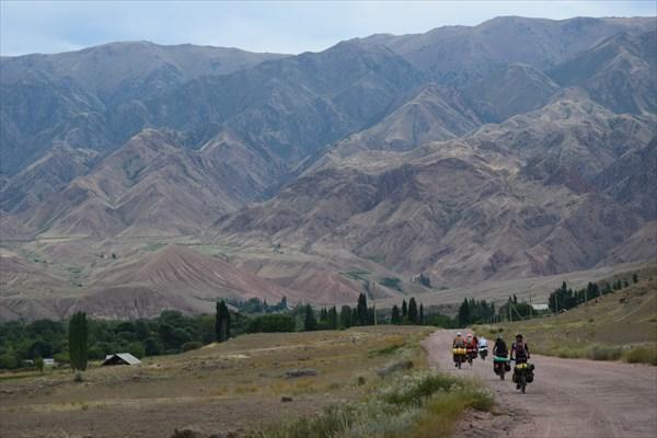 Поселок Арал на горизонте