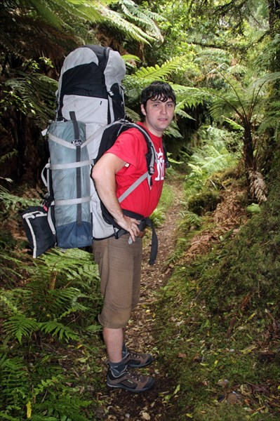 У Ромы туристический рюкзак 120 литров