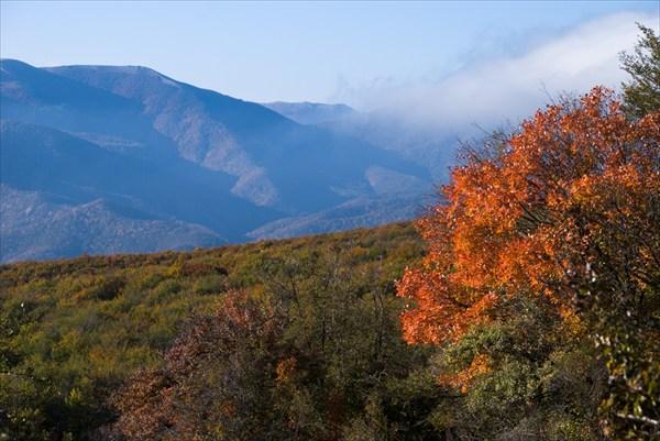 Гора Чёрная и хребет Конёк