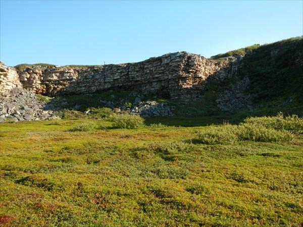 Скалы вдоль Среднего