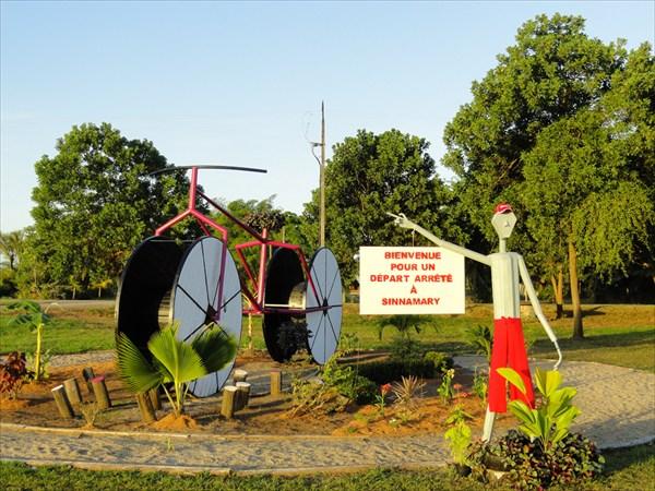 В честь велопробега 2012 сооружен такой вот велосипед