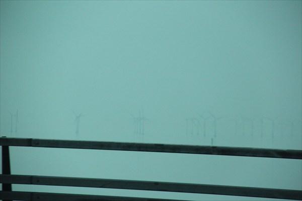 Ветряки в тумане