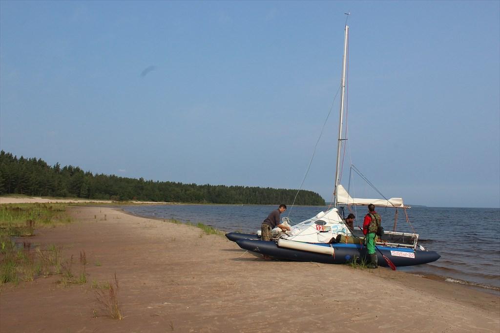 Утро на пляже в бухту Мусталахти