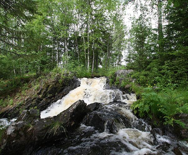 Водопад на р. Мельничная