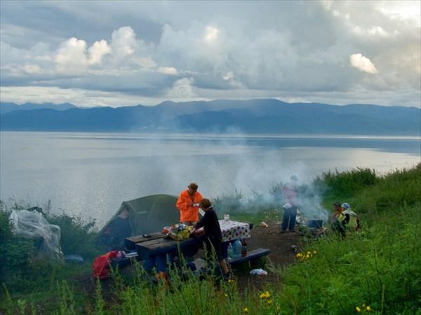 Бивак на берегу Байкала