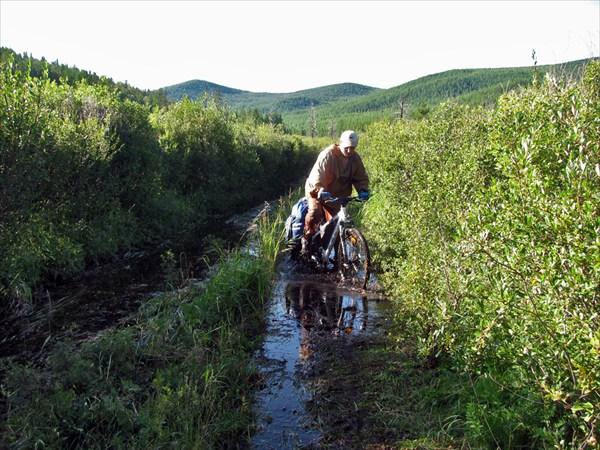 Спуск с перевала Бархе-Даба.