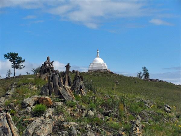 На острове. Буддизм и шаманизм.