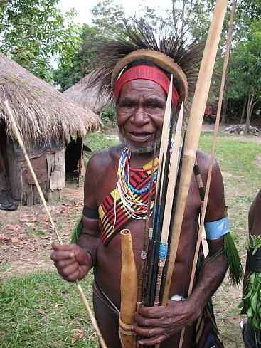 на фото: Абориген