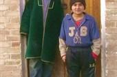 Кашкадарьинские  мальчишки у музейной двери