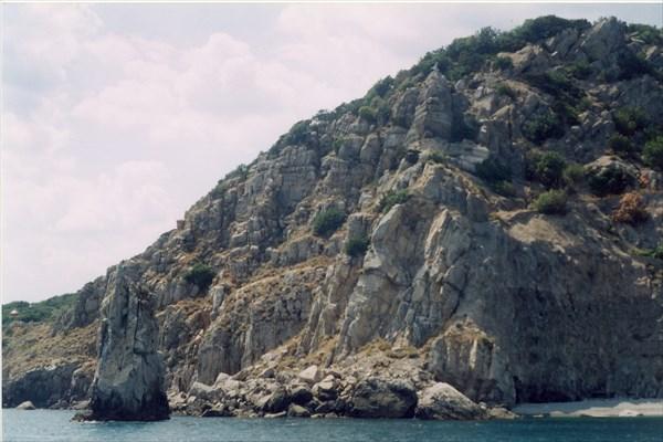 Побережье рядом с Ялтой вид с моря