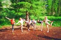 балерины на озере Лазурном