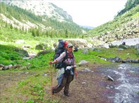 иду по прекрасной долине перед перевалом НКТ