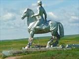 Монументальная скульптура бурятского всадника