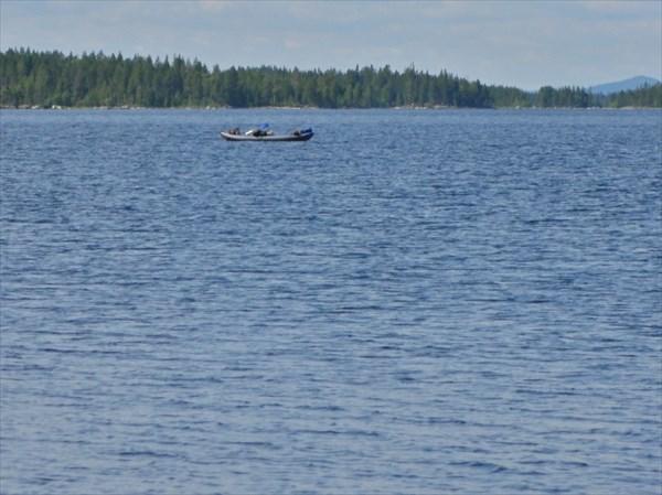 Лодка в свободном плавании