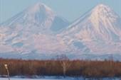 Ключевская, вид с ледовой переправы через р. Камчаика