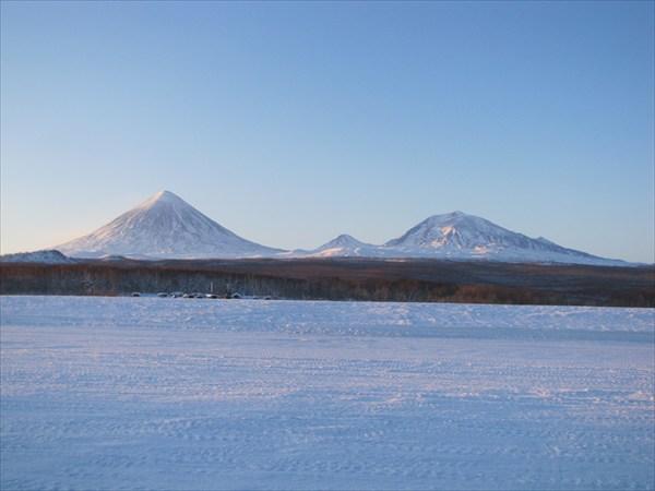 Сопка Ключевская, гора Средняя и гора Плоская-Ближняя