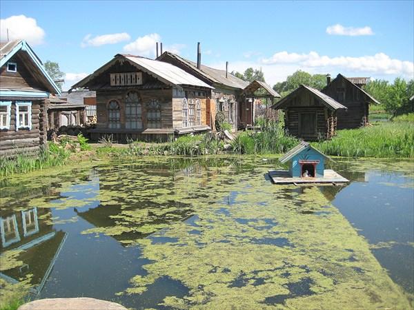 Музей под открытым небом.Старый заросший пруд
