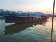 Прогулочный кораблик на Меконге