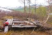 Развалины будки около вершины