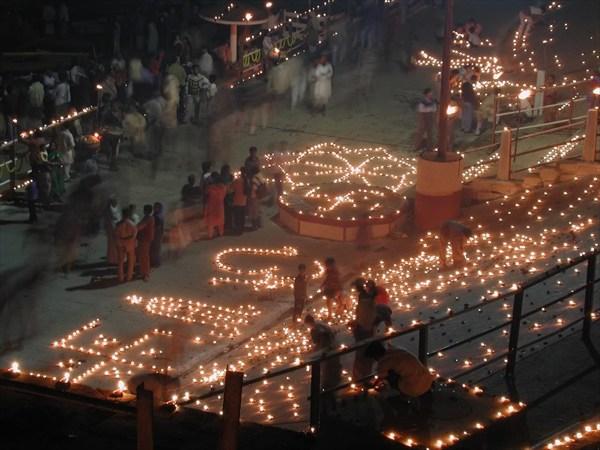 Празднование Дивали в Варанаси