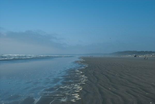 на фото: Берег Тихого океана