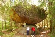 Kummakivi (Странный камень)