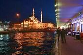 ресторанная зона моста Галата и Новая мечеть