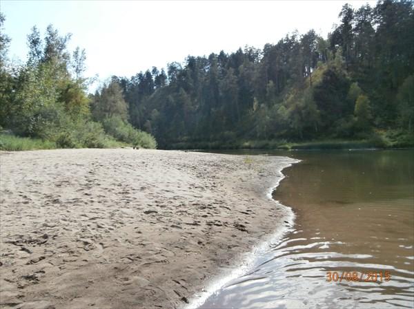 Песчаный берег, на котором мы с удовольствием поделали кое-что