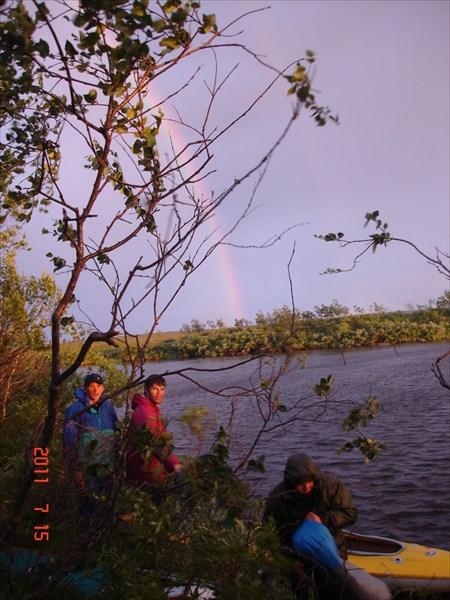 на фото: Ночёвка в болотах Харловки