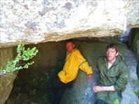 Ущелье на острове,с остатками оленей