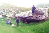 Там, под камнем - пещера `Ручеёк`