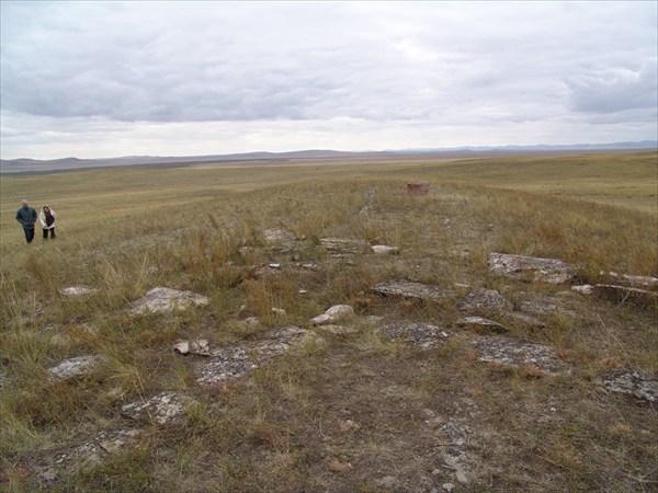 Фундаменты древних городов 1,5-2м шириной