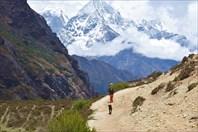 Ренджо Ла и спуск через Тхаме в На