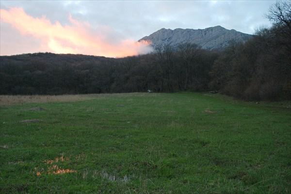 Закат над поляной